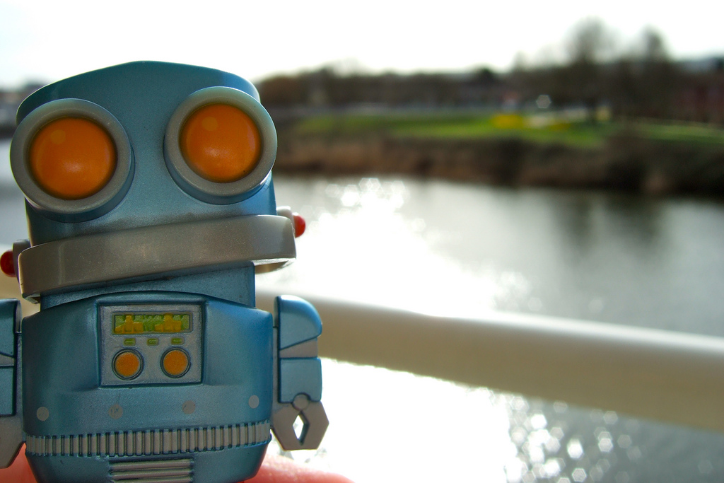 Robot on the Taff von John Greenaway unter CC BY-SA